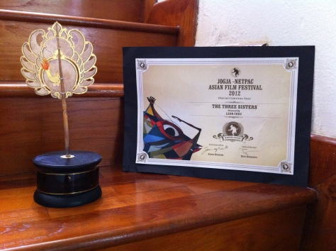 the-three-sisters_blencong-award-for-best-short-film-at-jogja-netpac-asian-film-festival